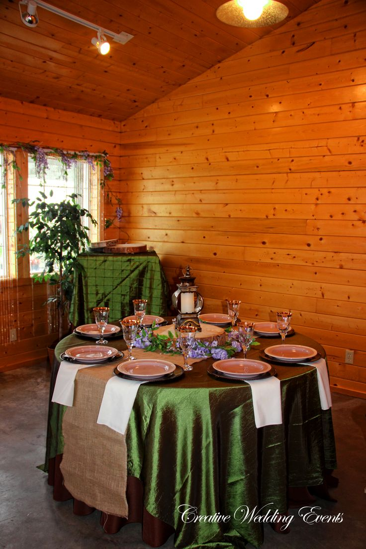 Burlap Round Table Overlays 17 Best Images About Linen On Pinterest Runners Overlays And Satin