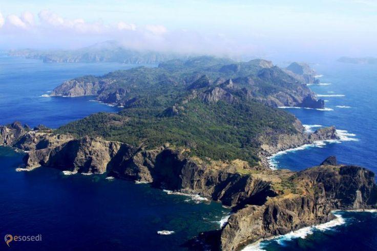 Острова Огасавара –  Ogasawara Islands - потрясающий природный заповедник в Японии, где живописные ландшафты являются домом для сотен видов исчезающих птиц и животных, редчайших представителей растительного мира.  ↳ http://ru.esosedi.org/earth/places/1000214198/ostrova_ogasavara/