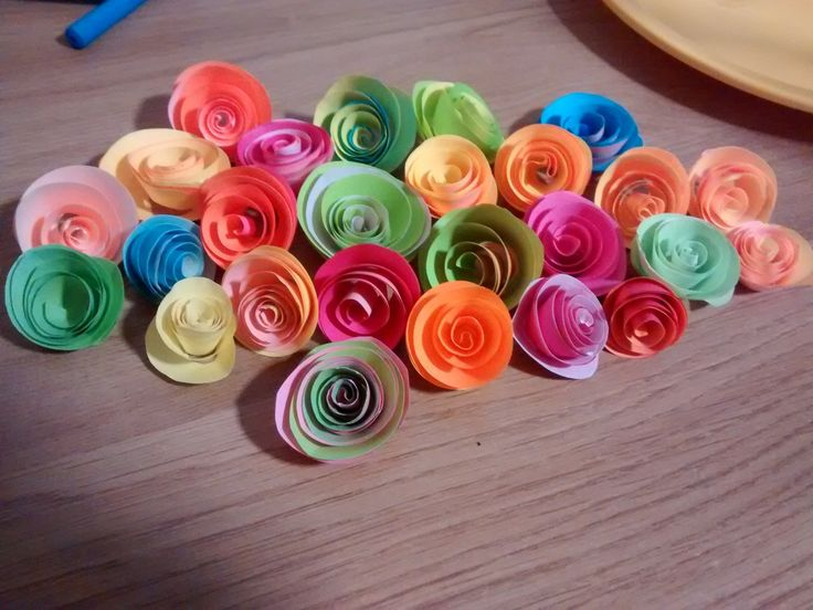 Paper flowers. Post-it art