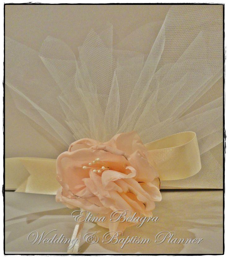 wedding#gifts#pearl#lace#love#gamos#wedding#chicwedding#romantic#wedding# fabric#flowers#romance#vintagewedding#vintage#handmade#weddingplanner#elinabelagra#www.elinabelagra.gr Μπομπονιέρα γάμου τούλι ύφασμα, πέρλες, λουλούδια υφασμάτινα