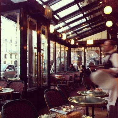 Paris Cafe 早朝のカフェ・ド・フロール