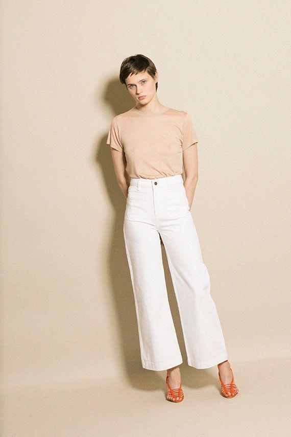 Time For Fashion 12 Formas De Llevar Los Vaqueros Tobilleros 70 S Durante El Otono 2019 Traje Pantalon Blanco Ropa Ropa De Moda