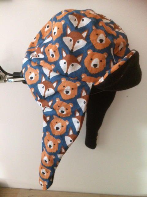 bonnet chapka enfant avec motifs ours et renard de la boutique NutCouture sur Etsy