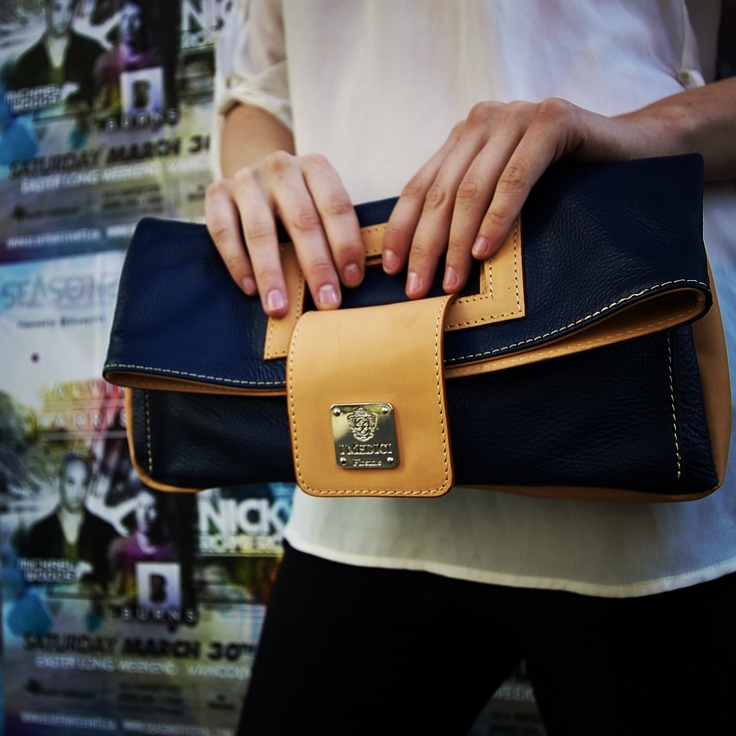 They are unfussy and kind to your shoulders and neck! And you need a style change! Clutch!! #vancouverfashion #IMedici #genuineitalianleather #vancouver