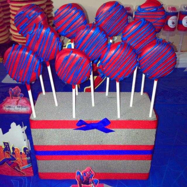 Spiderman Oreo pops