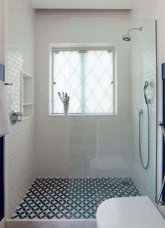 Azulejos blancos y negros en ba o azulejos para ba os - Azulejos bano pequeno ...