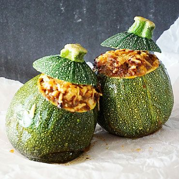 Deze courgettes zijn gemaakt met rundergehakt en gebakken in de airfryer. Makkelijk bijgerecht of koolhydraatarm hoofdgerecht