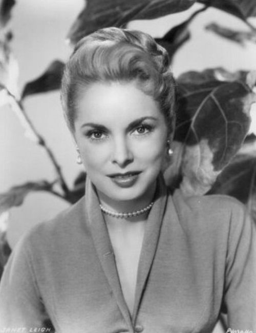 Janet Leigh appears in the Alfred Hitchcocks movie Phsycho which also stars Anthony Perkins
