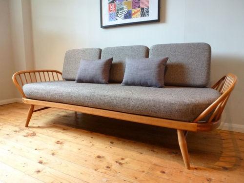 Buat Testing Doang Studio Day Sofa Bed