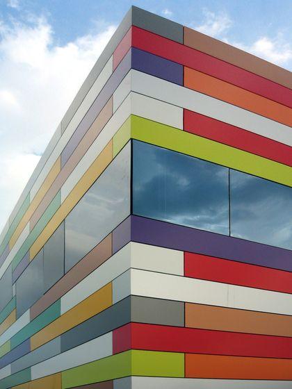 Façades | Systèmes de façades | larson® | ALUCOIL. Check it out on Architonic