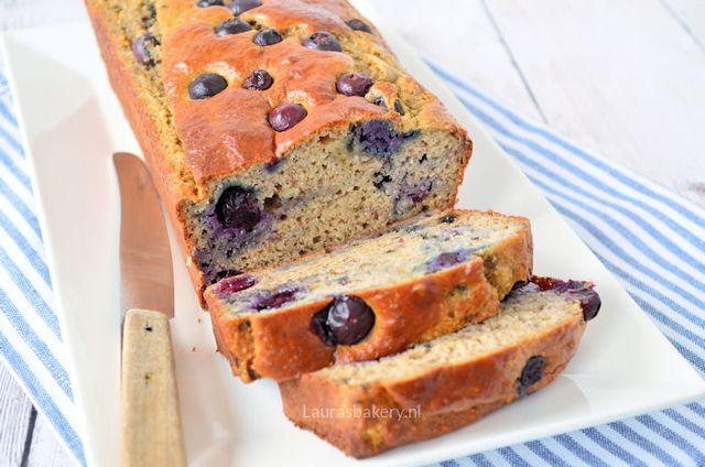 Bananenbrood met blauwe bessen | Laura's Bakery | Bloglovin'