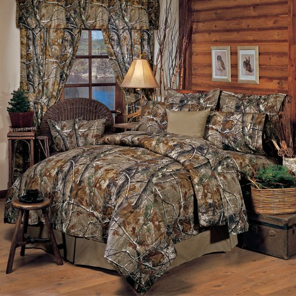 hunters bedroom   Realtree AP Camo Full Comforter Set, I like the box beside the bed. Already have the comforter