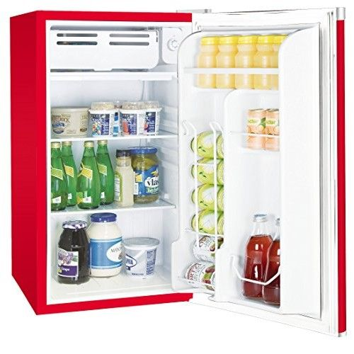 best mini fridges at http://best10for.com/technology/electronics/10-best-mini-fridges-for-this-summer/