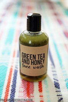 Selbst gemachter entzündungshemmender grüner Tee Honey Face Wash – Mr. Sims
