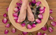 Pedicure fai da te: soluzioni casalinghe per eliminare calli e duroni - http://www.chizzocute.it/pedicure-fai-da-te-soluzioni-casalinghe-eliminare-calli-duroni/