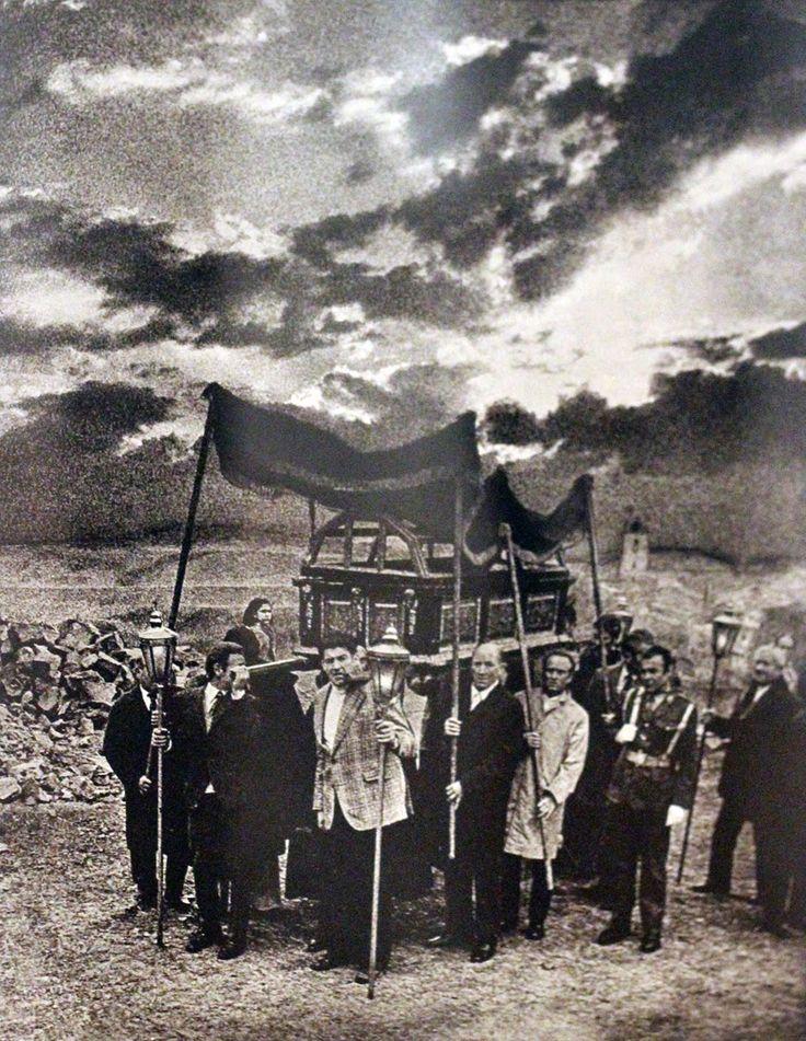 RURAL CONTEMPORÁNEA: PHotoEspaña 2014 (Madrid) Algunas exposiciones seleccionadas, el reportaje.Sigfrido de Guzmán Procesión de San Pedro Manrique, 1972.