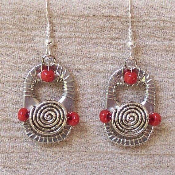 can tab earrings