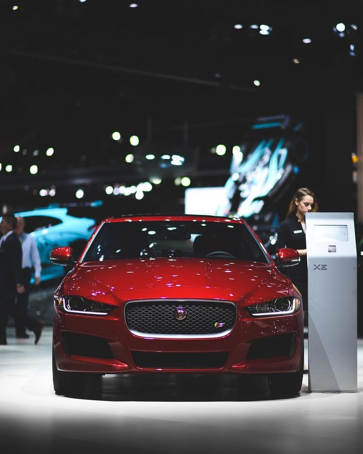 """12.9k aprecieri, 27 comentarii - Jaguar USA (@jaguarusa) pe Instagram: """"#TBT to the #XE commanding all kinds of attention at the 2017 @laautoshow 📷: @cole_younger_"""""""