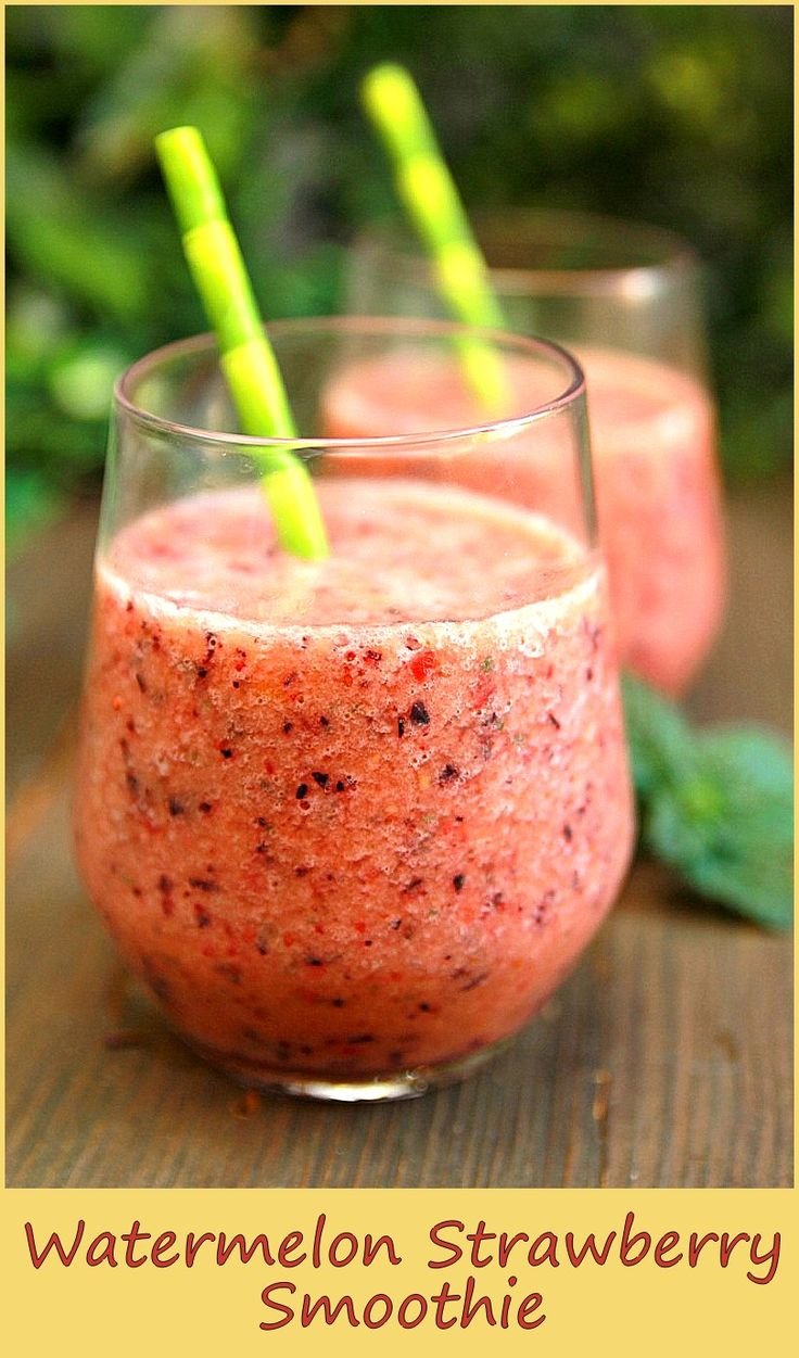 Quick and Easy… Ingredients 1 cup watermelon, cut into small cubes 1 cup strawberries 1/2 cup yogurt 2 tsp honey ice cubes . Preparation: combine all ingredients in a blender garnish and serve source: http://www.gustissimo.it/drink/frappe-e-frullati/frullato-di-anguria-e-fragole.htm Related