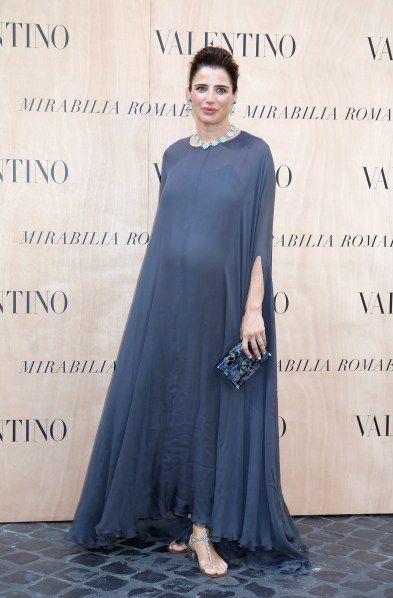 Luisa, che pancia! Le foto della Ranieri sul red carpet all'8° mese di gravidanza