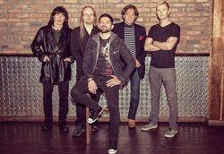 9 июня этого года рекорд-компания Eagle Rock Entertainment осчастливит поклонников творчества Ричи Блэкмора и выпустит двойной концертный альбом Ritchie Blackmore's Rainbow «Live In Birmingham 2016». Как свидетельствует название, концертный материал записывался во время выступления группы.