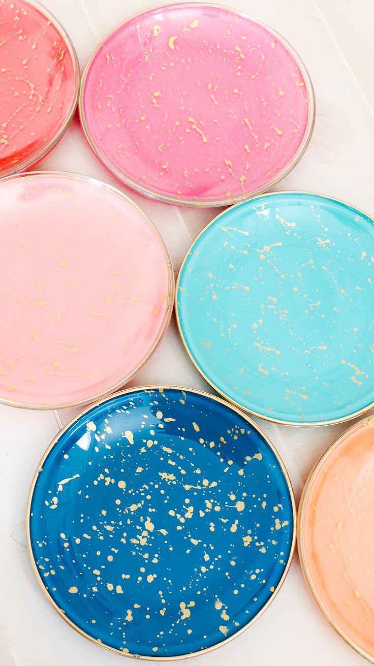 DIY Splatter Painted Plates (Click Through for Tutorial)_