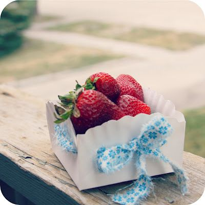 Paper plate basket - cute :)