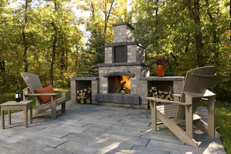 Designed to entertain and built to last, the Stone Oasis Fireplace will surely leave a lasting impression in any backyard.