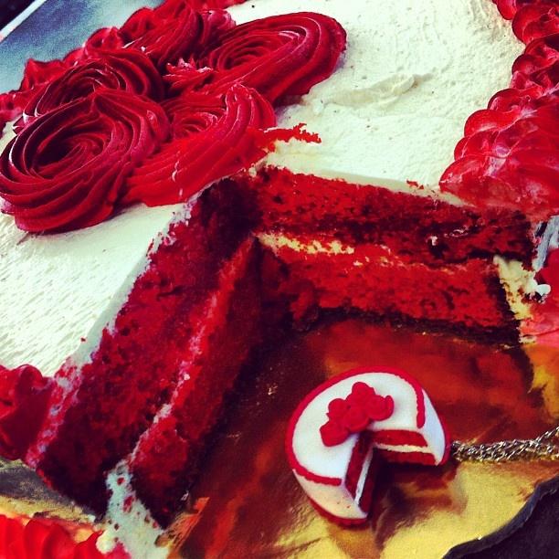Red Velvet cake neckless