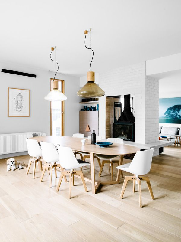 Residential Interior Design by Fiona Lynch Design Office, Hawthorn East House. Photography by Brooke Holm, styling by Marsha Golemac. #fionalynch #interiors #muffinpendant