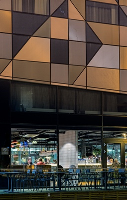 Radisson Blu Riverside by Doos Architects