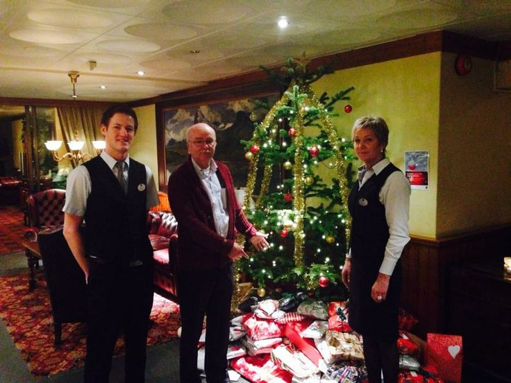 Tree and happy employees at Quality Hotel #Førde