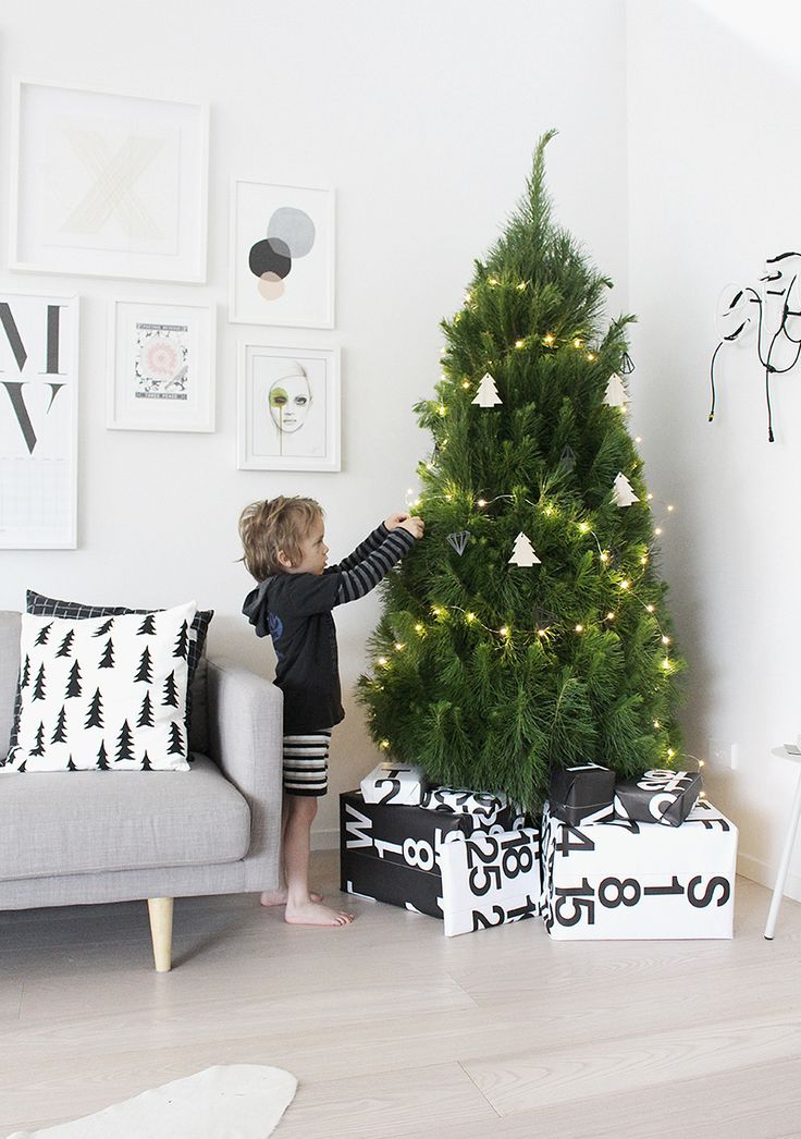 Little Christmas Trees Part - 37: The Christmas Tree (The Design Chaser). Small Christmas TreesSimple ...