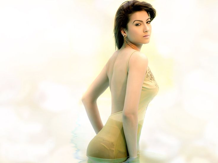 gauhar khan wallpapers - photo #3
