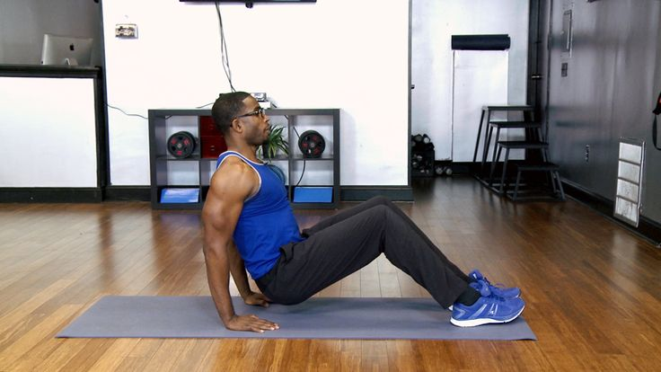 No Excuses: Bat Wing Workout: Say so long to bat wings with this 30-second workout from trainer Donovan Green! Sculpt and tone up anytime, anywhere with these equipment-free moves.