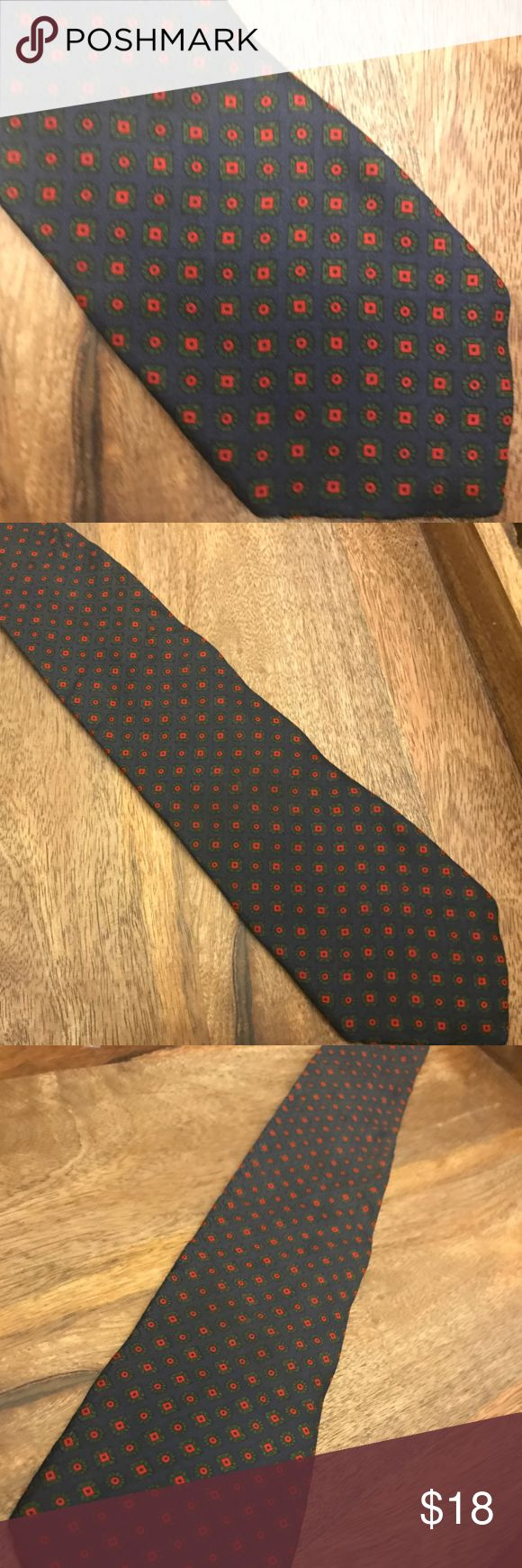 The Burlington Knot Company by J. Press Silk Tie Classic American Style isn't created in an instant. It takes time. In fact, it takes generations worth of thoughtful refinement and an unwavering commitment to dress men to an Ivy League standard. J. Press began on the ground of Yale University in 1902 and has been a fixture of the campus ever since. Jacobi Press believed in quality above all else. It's a belief that earned him the esteem of US Presidents, statesmen, scholars and captains of…
