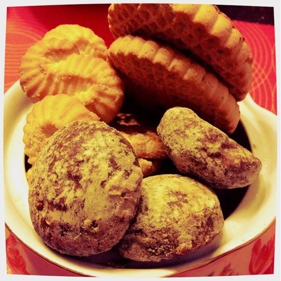 Отличный ужин из печенек))) придется пойти потом поплавать))) - Ужин печеньками)))@Home-cooked via www.dish.fm