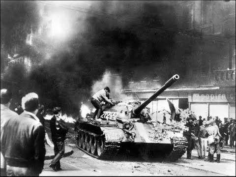 Советские войска вошли в Прагу. Чехи бузят, поджигают, стреляют. Образец...