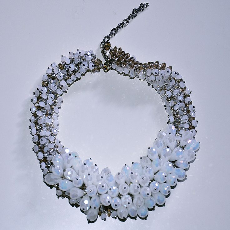 Stunning necklace now available at www.ciaobella.ca. Perfect for a wedding!