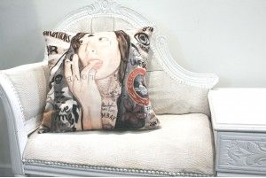 "Coussin ""Marie"" http://www.you-art-different.com/13-coussin"