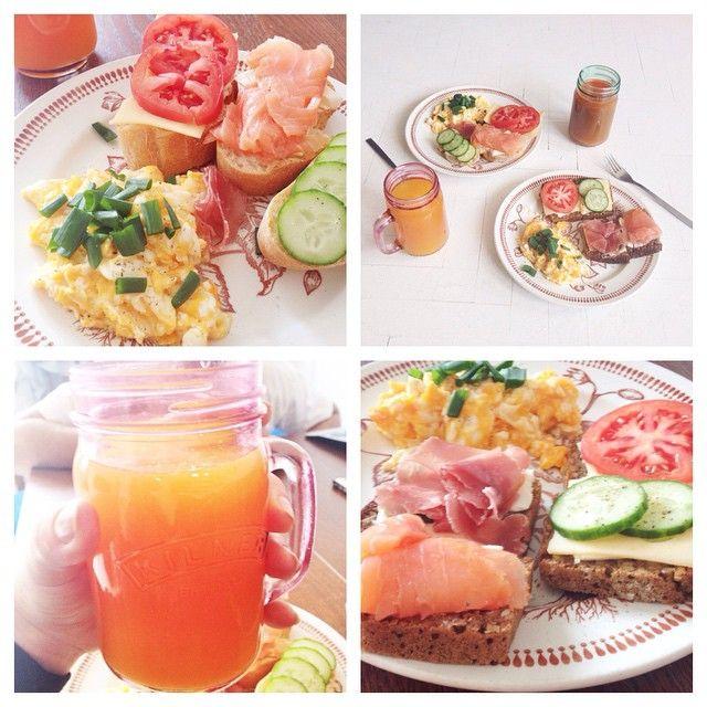 #perfect #saturday #morning #breakfast #orangejuice #carrotjuice #loskanapkos #salmon #cheese #tomatoes #cucumber #eggs #prosciutto #bread #omnomnom #noteraztojużmusibyćzdrowe!