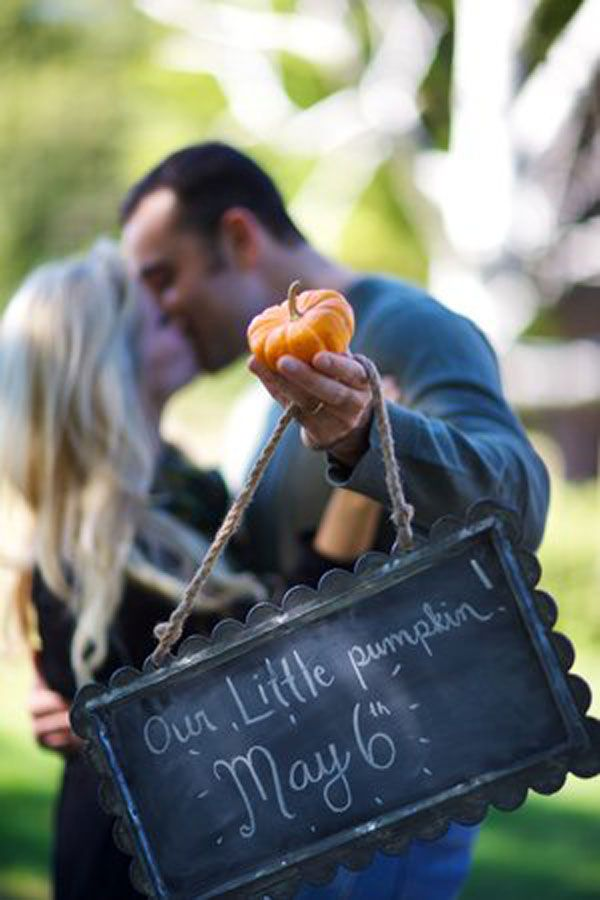 30+ Fun Photo Ideas to Announce a Pregnancy - Little Pumpkin Announcement