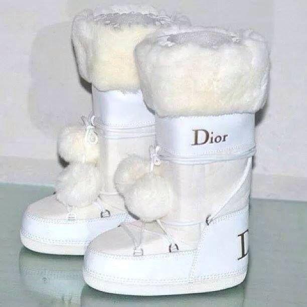 987a2ca2e1f chaussure baby dior fille