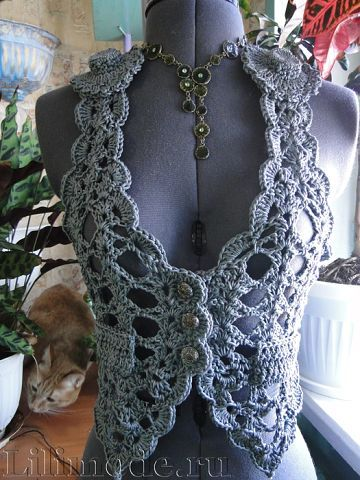 Ive been looking for a light vest to make... something kinda like this.