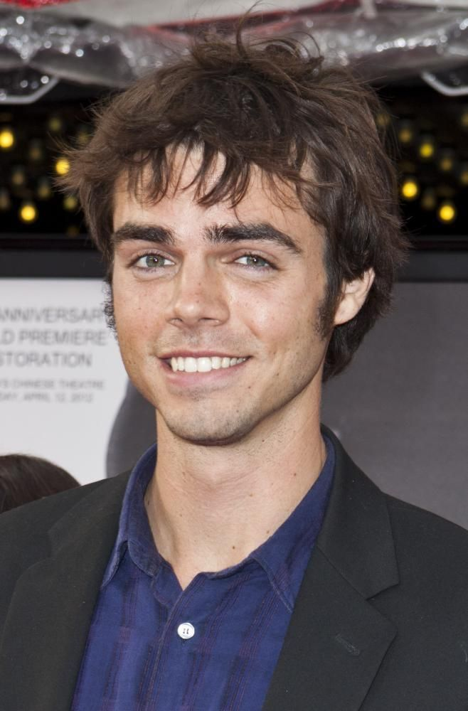 Reid Ewing, an American actor best known for his role in Modern Family, publicly came out as gay in a message he posted on Twitter on Nov. 21, 2015. He stated that he suffered from body dysmorphia for years, which resulted in an addiction to  plastic surgery.