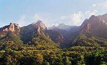 Los montes del Parque Nacional de Seorak