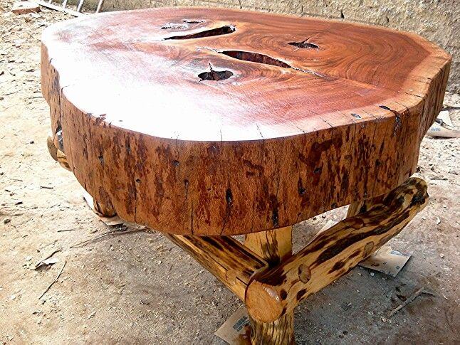 Mesa de madeira recuperada