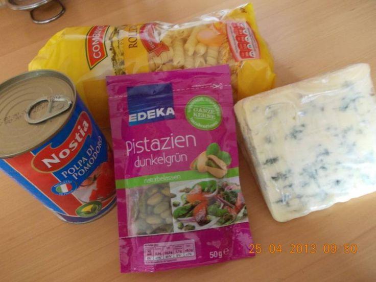 Tagliatelle Met Tomaten, Pistachenoten En Roquefortsaus recept | Smulweb.nl