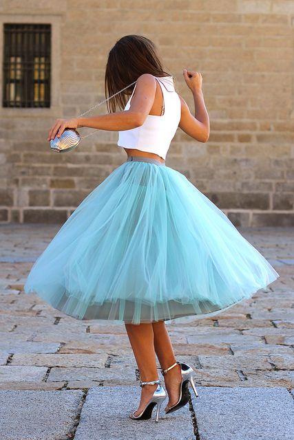 trendy_taste-look-outfit-street_style-AW13-white_top-top_blanco-tutu-verde_agua-aquamarine-silver_sandals-sandalias_plata-mas34-silver_handb...