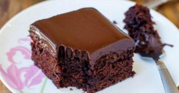 Εξαιρετικό νηστίσιμο κέικ σοκολάτας